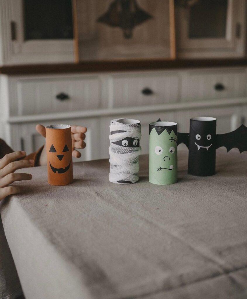 Ideen zu Halloween mit Klopapierrollen